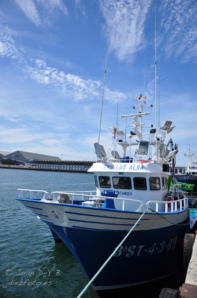 Barco Pesquero en el Barrio Pesquero de Santander
