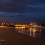 Llega la hora azul en la Playa del Sardinero