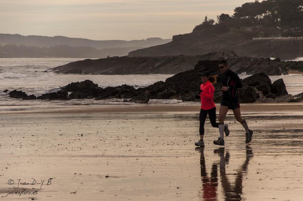 Corriendo al amanecer por la Playa del Sardinero