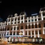 El Hotel Sardinero embellece la noche en la Plaza de Italia de Santander
