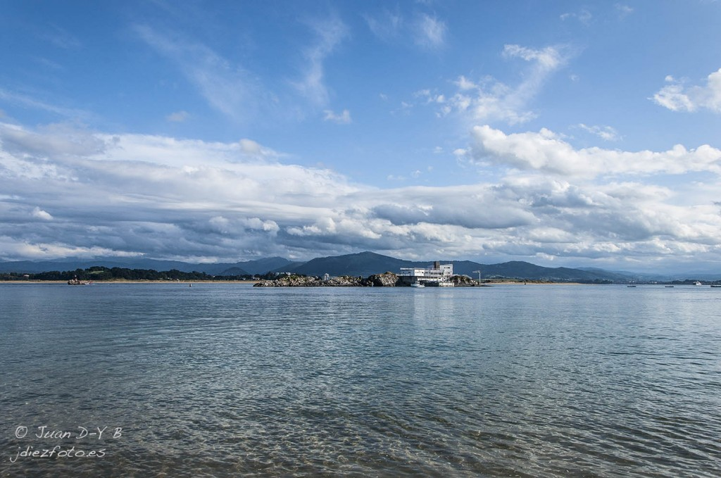 Isla de la Torre desde la Playa de Bikinis