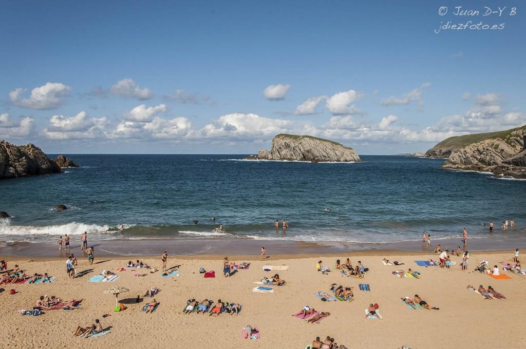 Playa de la Arnia e Isla del Castro