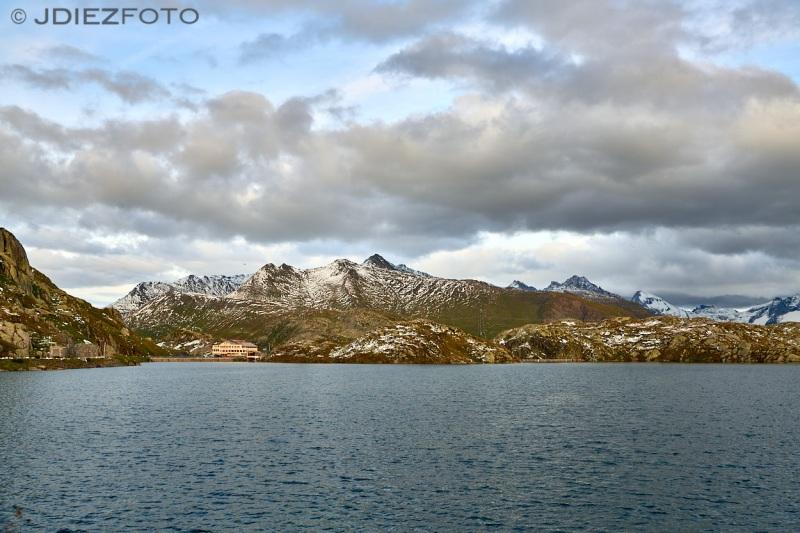 Lago Totensee. Alpes Suizos