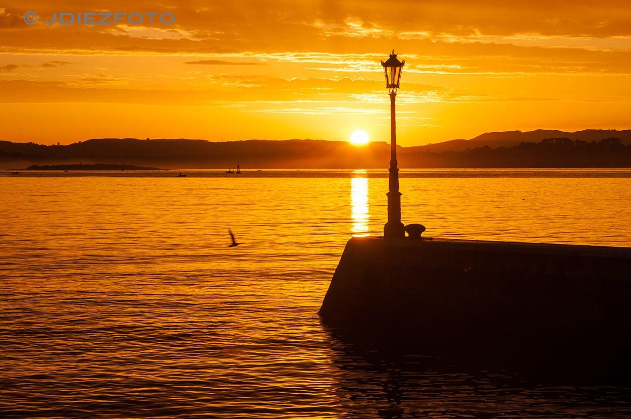 Espigón Bahía de Santander al amanecer