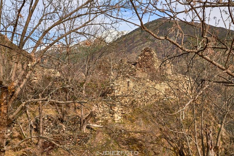 Ruinas del castillo de Àrreu
