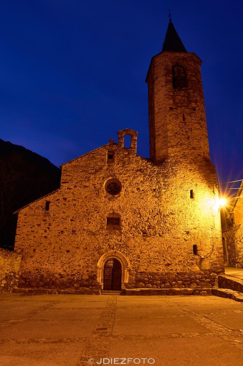 Iglesia de San Martín de Borén. Imagen Nocturna