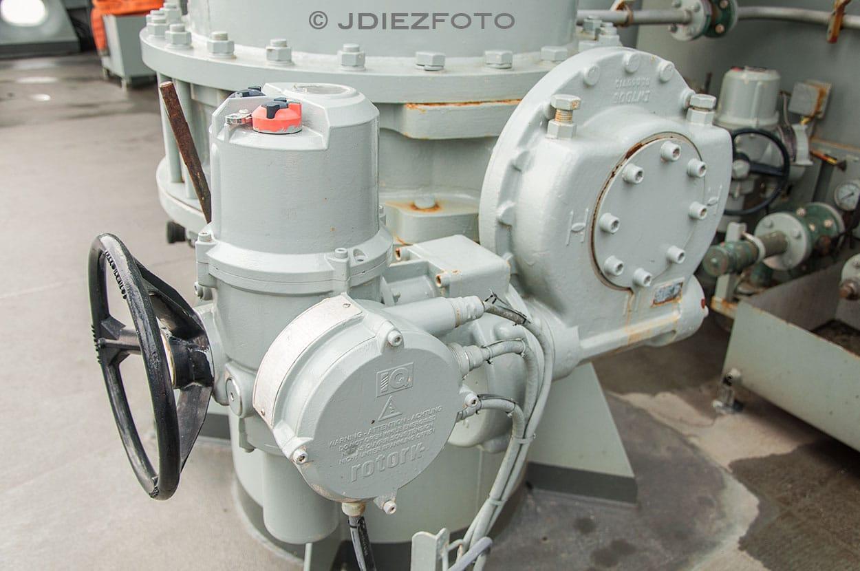 Abastecimiento de Combustible Buque Cantabria A15