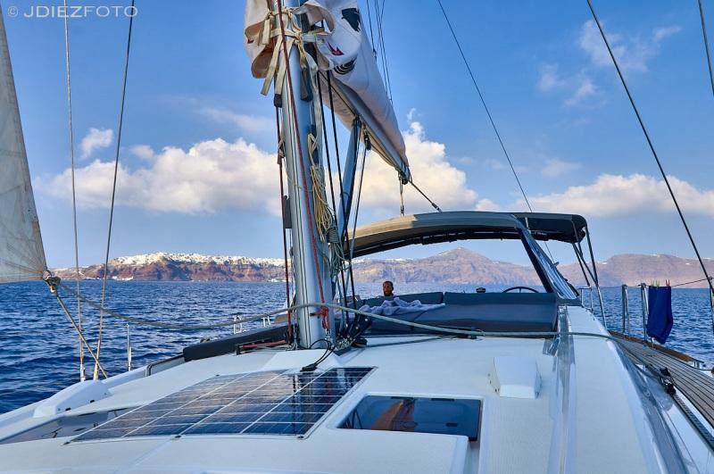 Navegación por la caldera de Santorini