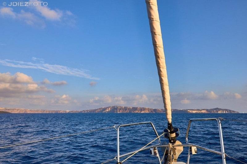 Navegando en la caldera de Santorini