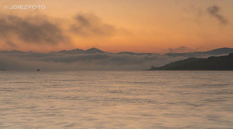 Mar de nubes sobre el Embalse del Ebro