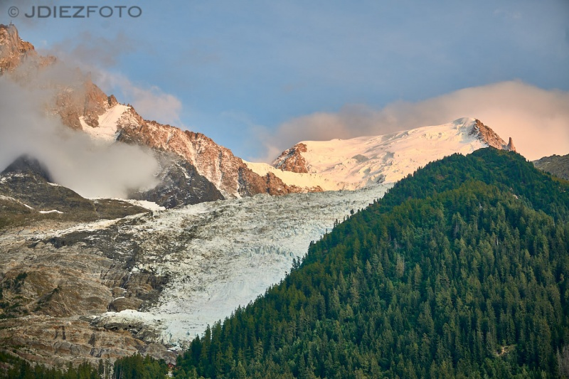Glaciar de Bossons en el macizo del Mont Blanc