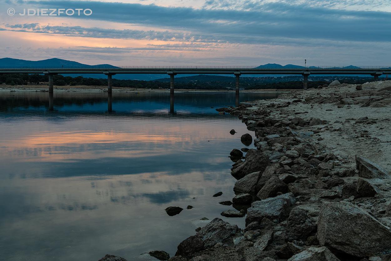 Puesta de sol Embalse de Valmayor