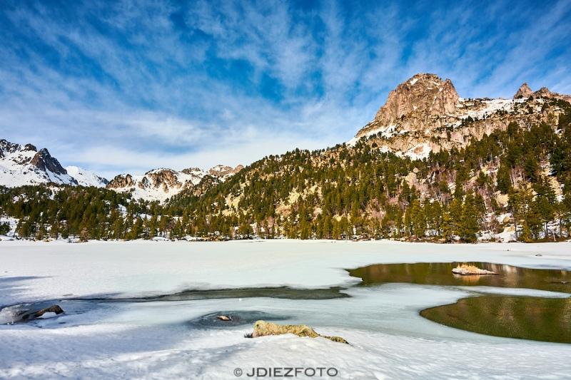 Lago de Ratera helado