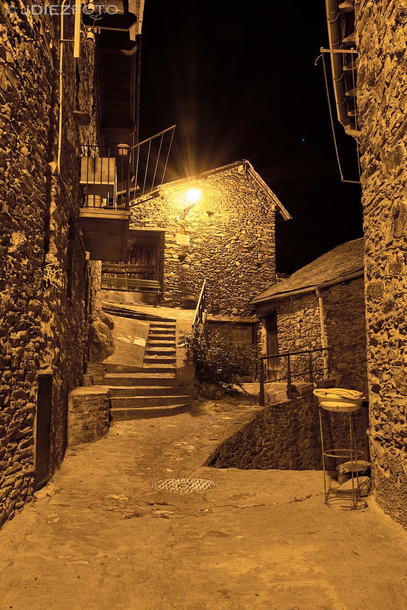 Calles de Esterri de Aneu nocturno