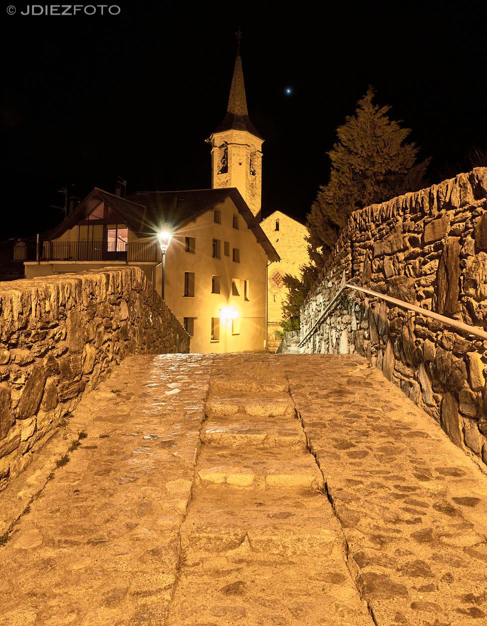 Iglesia de San Vicente. Esterri de Aneu nocturno