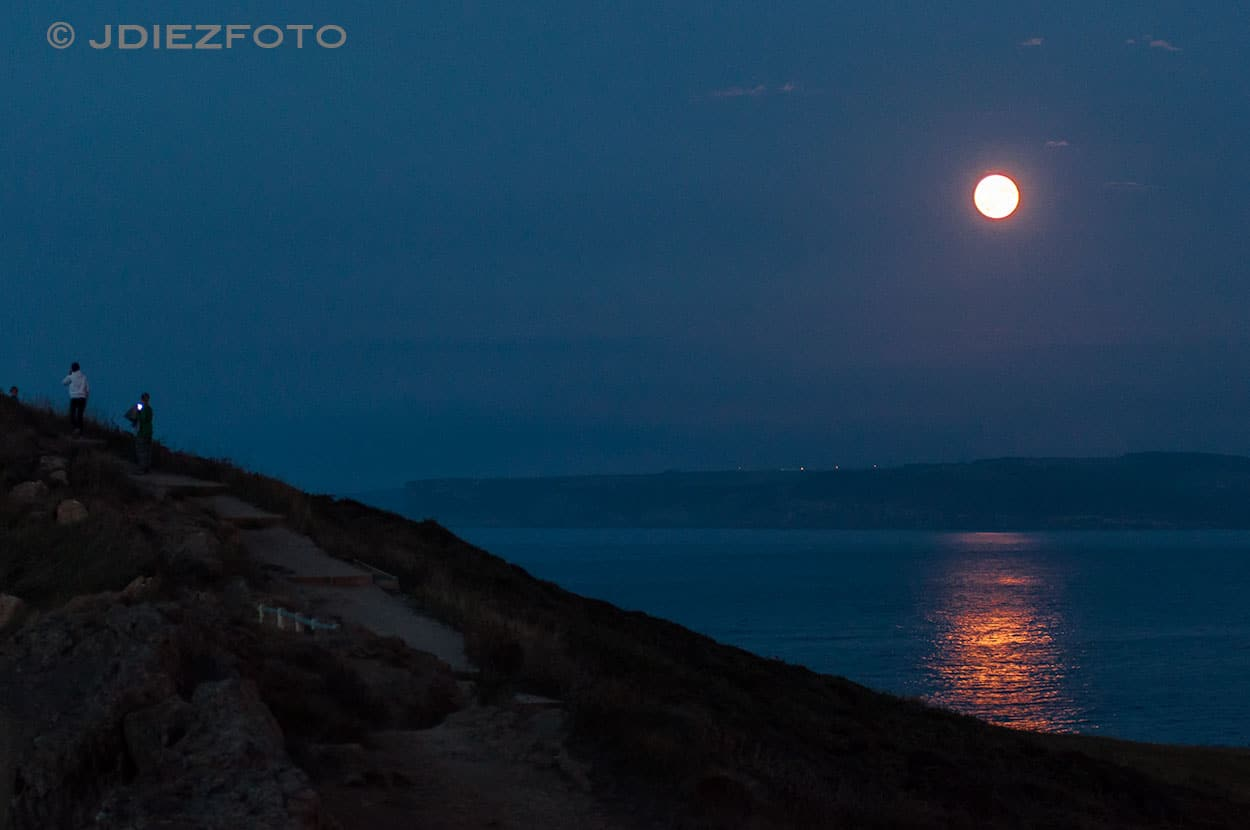 La luna sobre Cabo Mayor