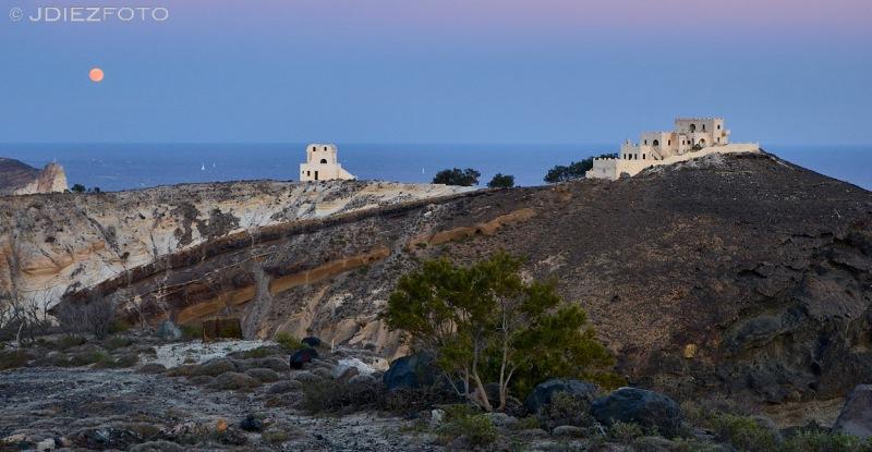 Hora azul en el Faro de Santorini