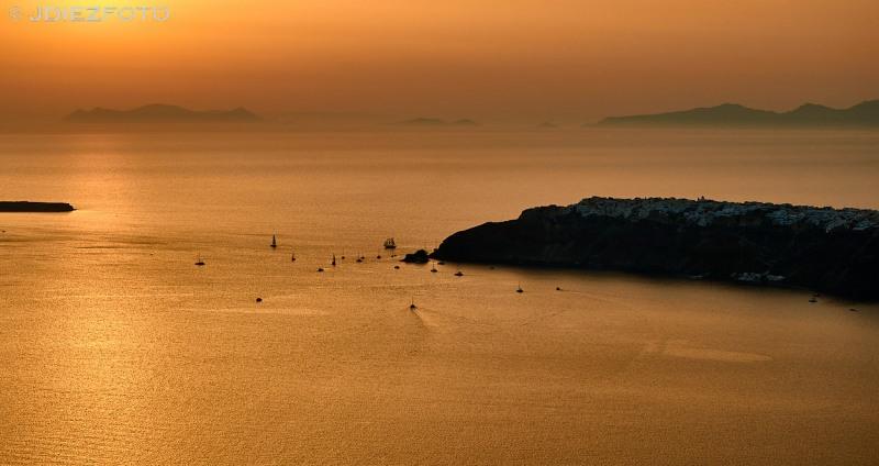 Puesta de sol de la caldera de Santorini desde Imerovigli