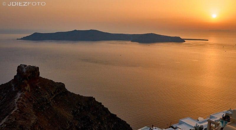 Puesta de sol en la roca de Skaros