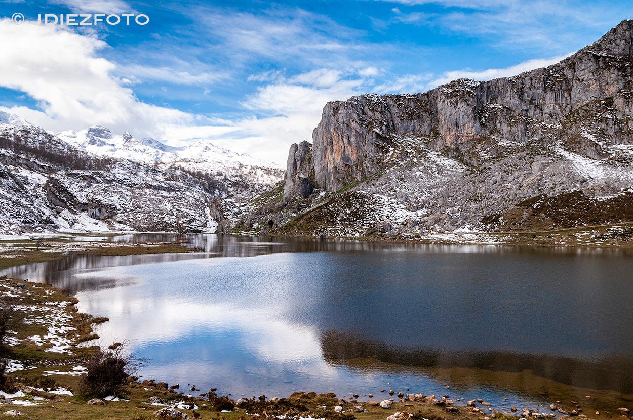 Picos de Europa sobre Lagos de Covadonga