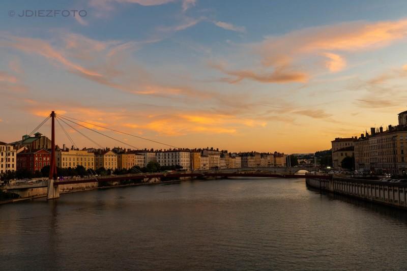 Atardecer río Saona. Lyon