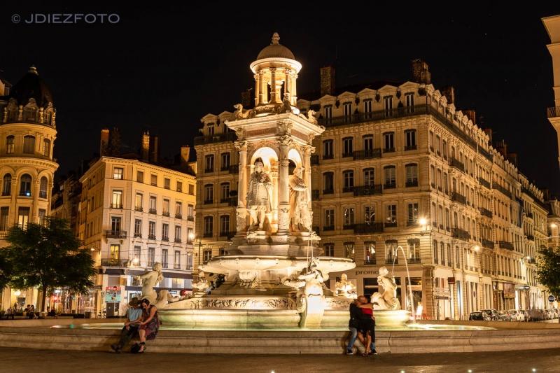 Place des Jacobins de noche. Lyon
