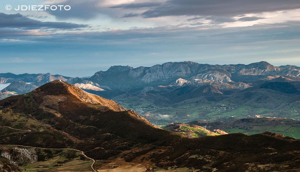 Mar de nubes al amanecer Lagos de Covadonga
