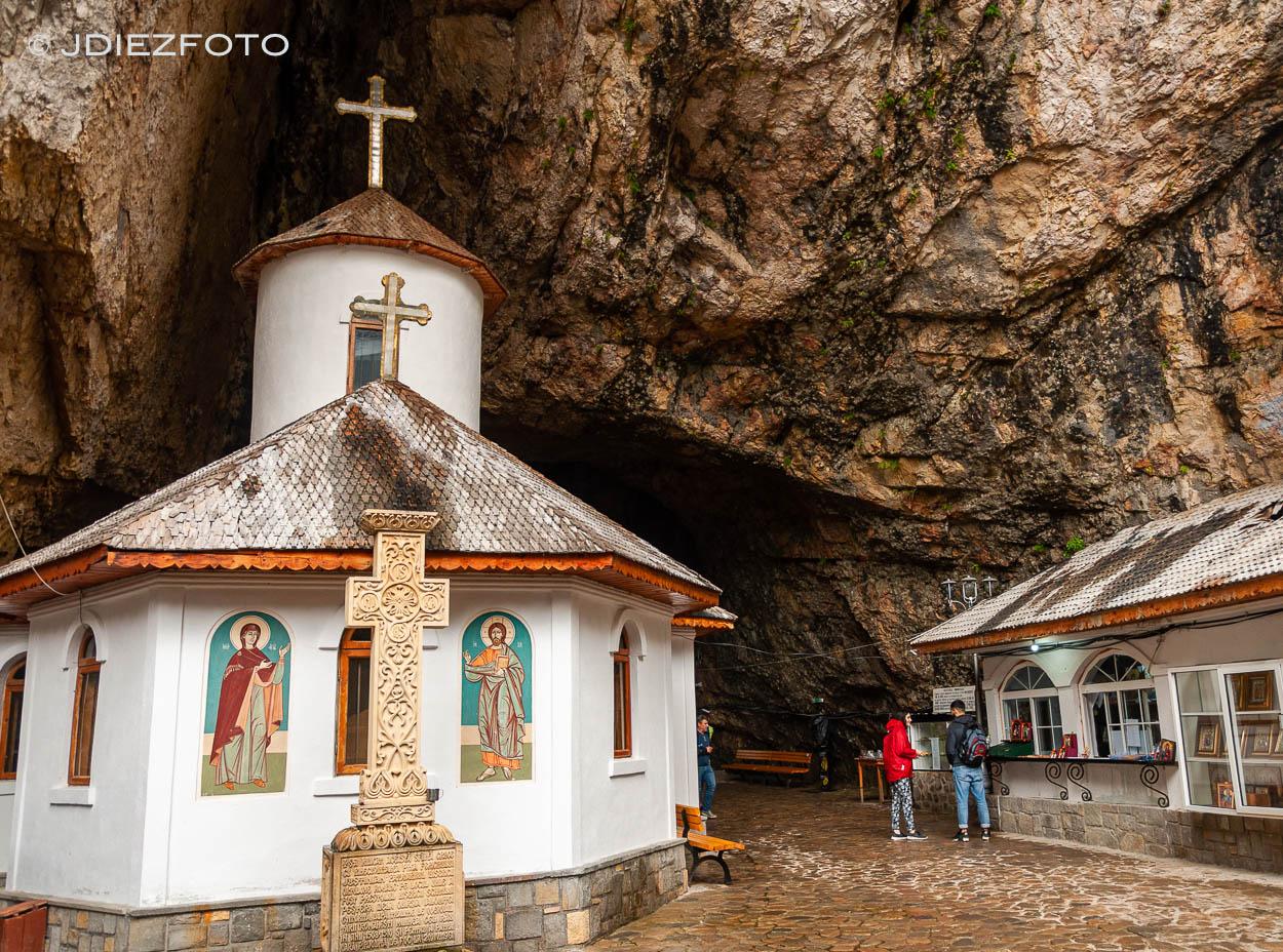 Monasterio Pestera