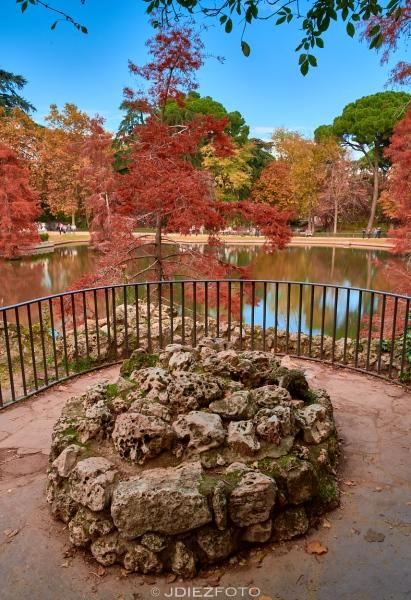 Palacio de Cristal del Parque del Retiro en Otoño