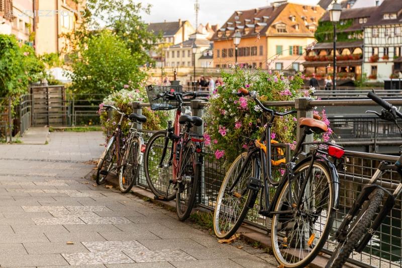 Bicicletas en los canales de Estrasburgo