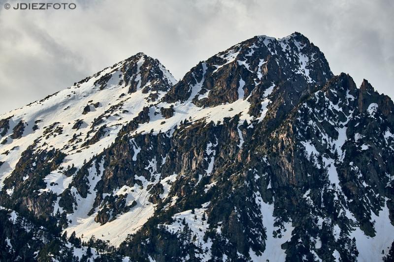 Pico del Portarró desde el Estany de Sant Maurici