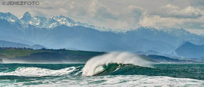 Playa de Tagle y Picos de Europa