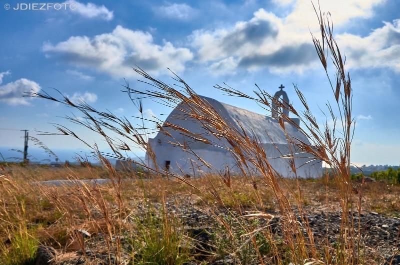 Iglesia en Megalochori. Santorini
