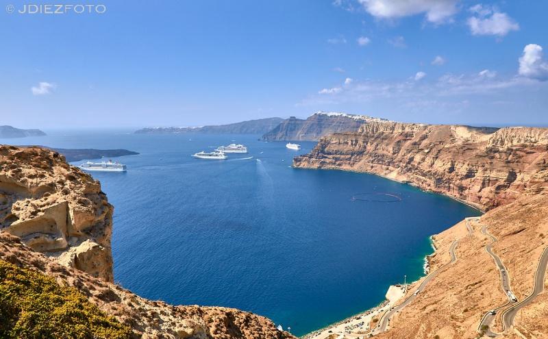 Vistas de la Caldera de Santorini desde las bodegas Venetsanos. Santorini
