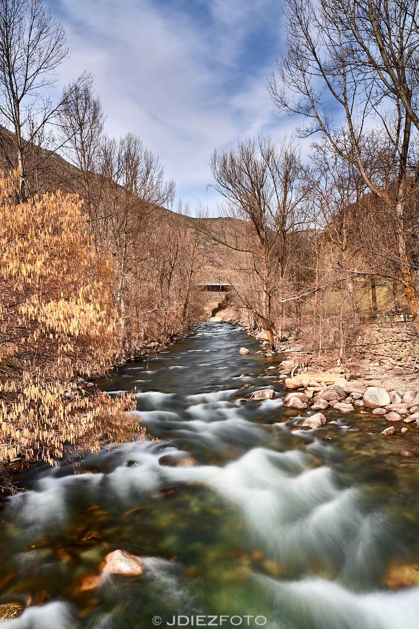 Río de la Noguera Pallaresa antes de llegar al embalse de Borén