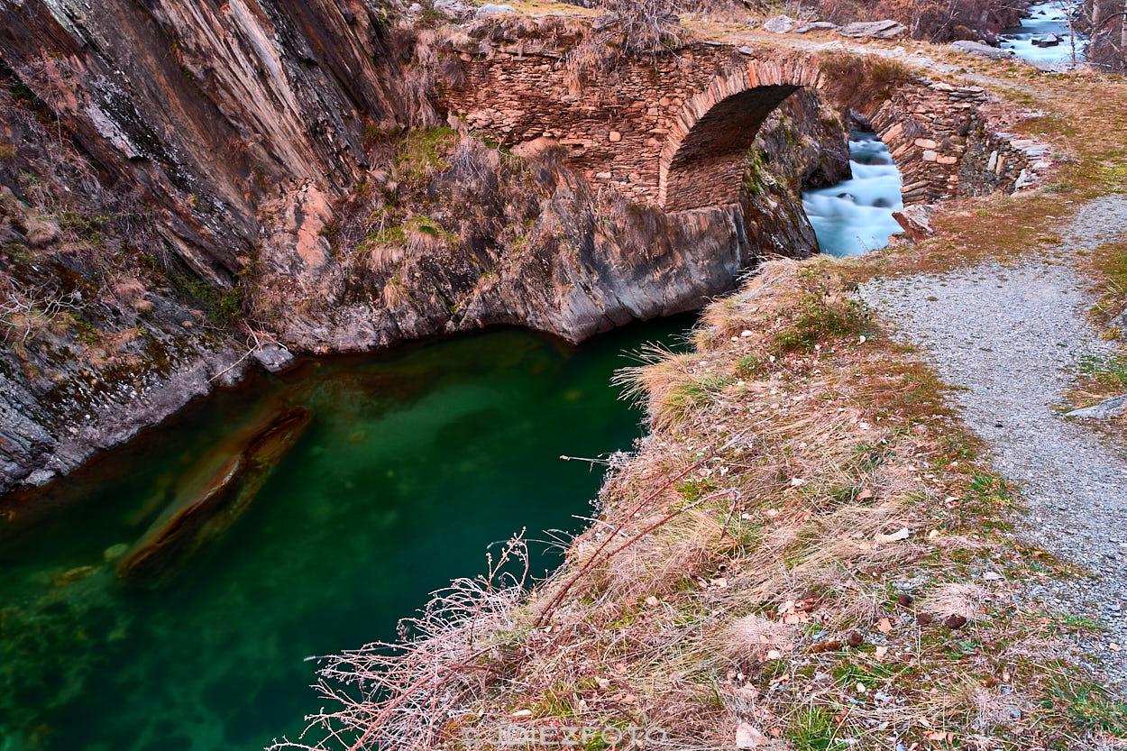 Puente romano de la Noguera Pallaresa en Borén-Arreu