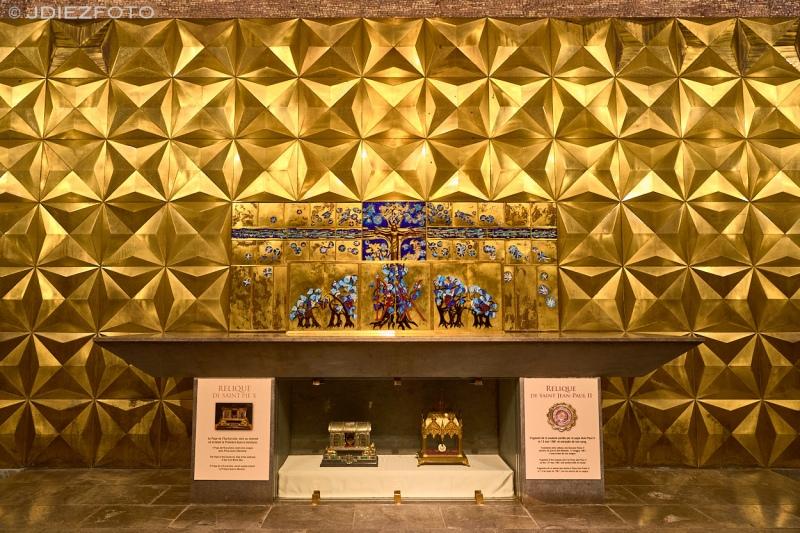 Basílica Subterránea San Pío X. Santuario de Lourdes
