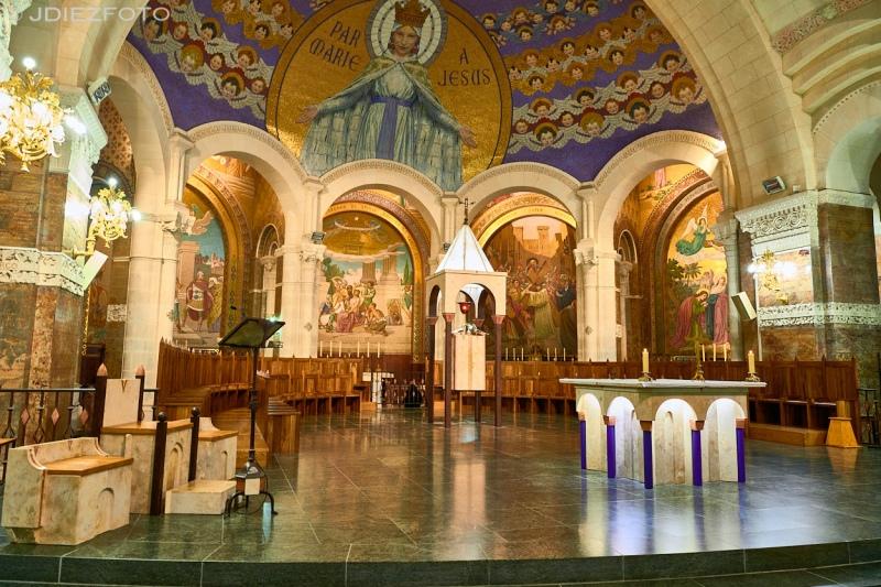 Altar de la Basílica Inmaculada Concepción de Lourdes