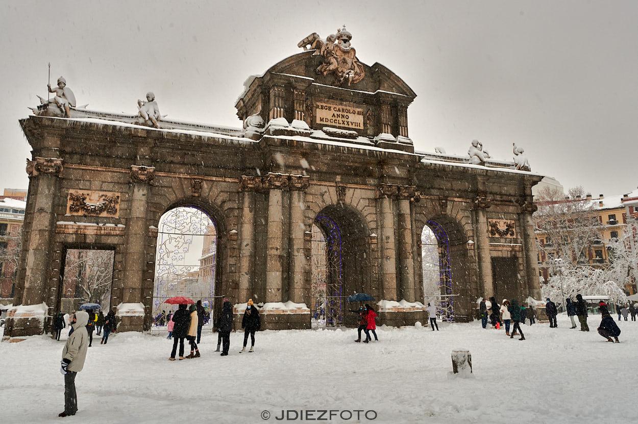 Puerta de Alcalá  durante el temporal de Filomena