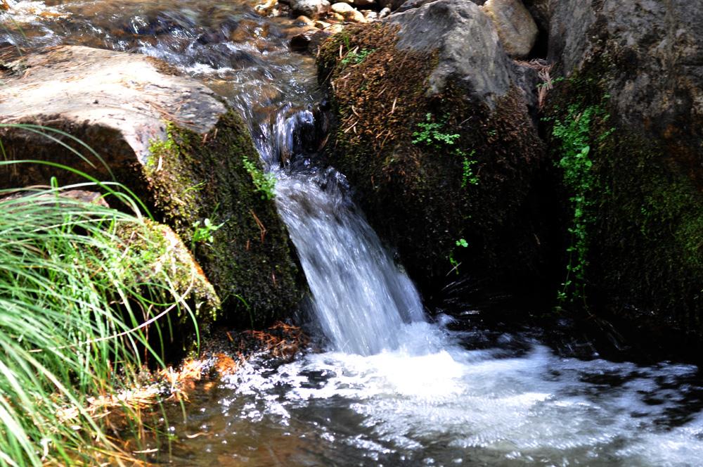 Velocidad de Obturación: 1/30s. Se ve que el agua sa mueve, está la fotografía nítida menos el agua que está difuminada