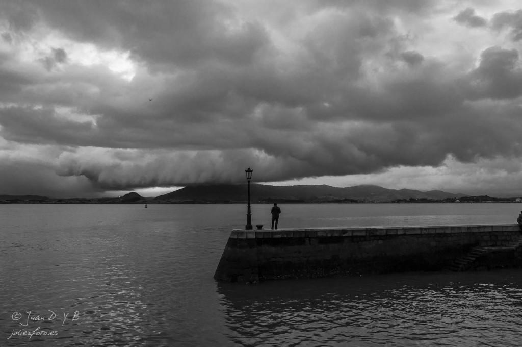 El espigón del Palacete del Embarcadero y la Bahía de Santander