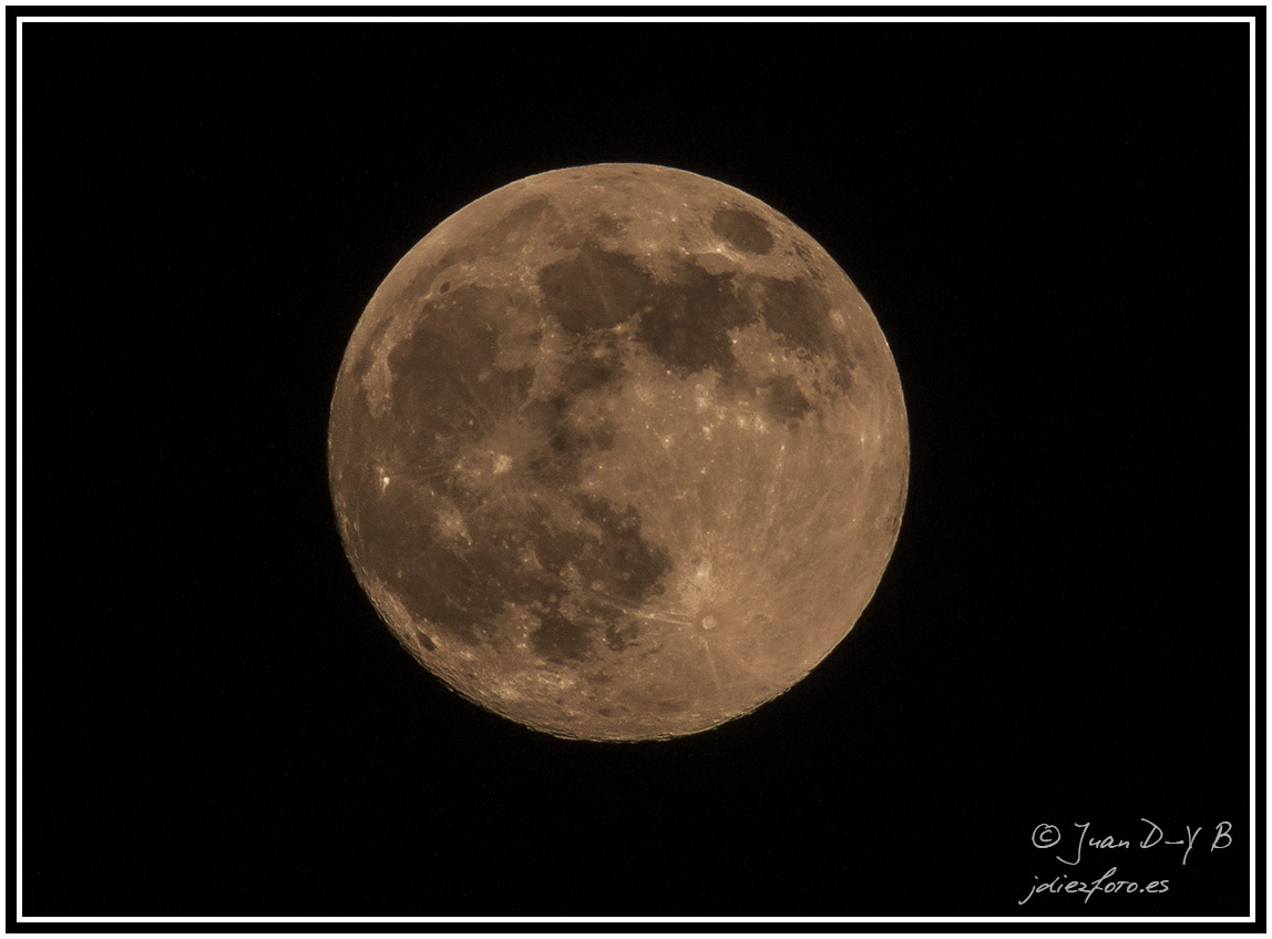 La luna más grande del año y consejos para fotografiar la luna