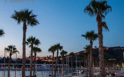 Paseo por el renovado Puerto de Málaga