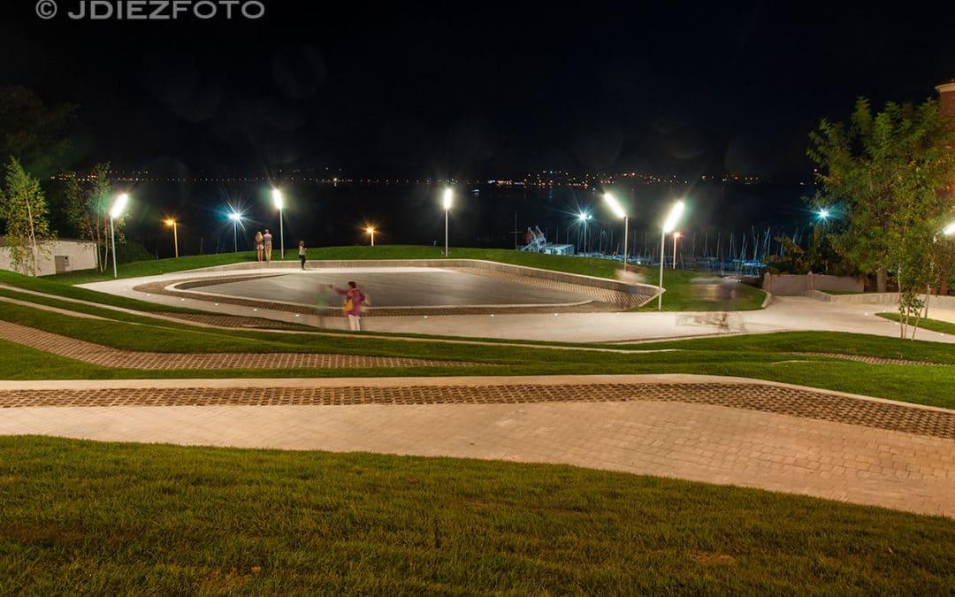 La Plaza de San Martín del Mar al caer la noche
