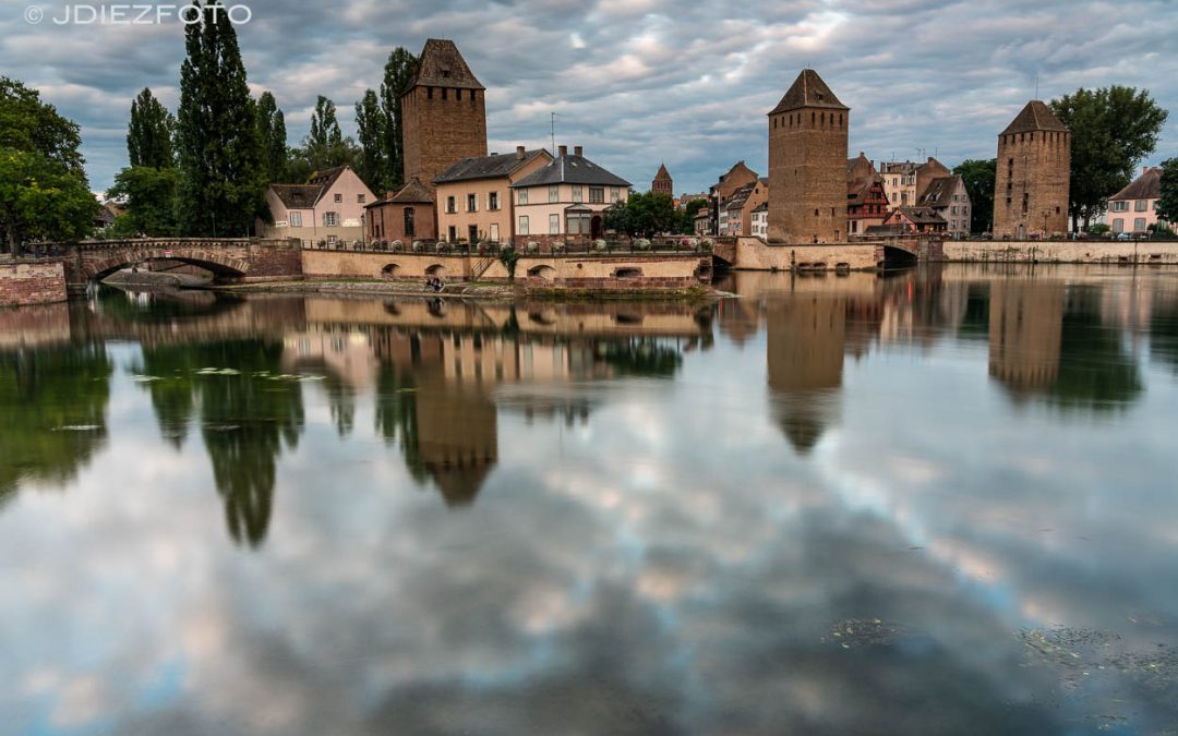 Los canales de La Petite France. Estrasburgo