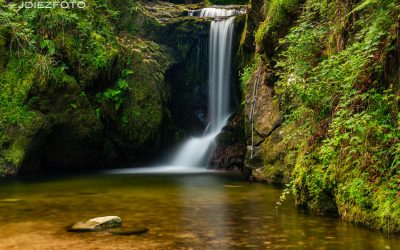 Cascada de Geroldsauer en la Selva Negra