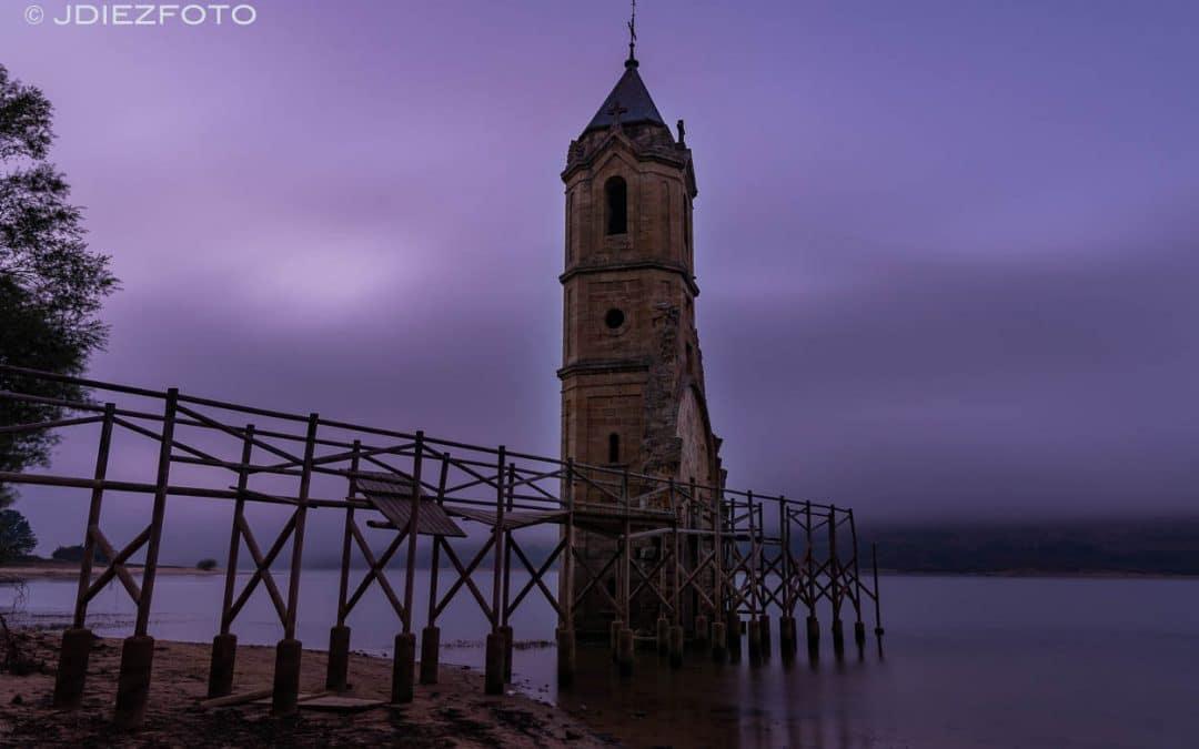 Mar de nubes en la Catedral de los Peces. Embalse del Ebro