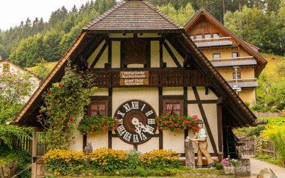 El reloj de cuco de Schonach. Selva Negra