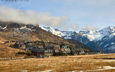 Pueblo de Formigal en el Pirineo Aragonés