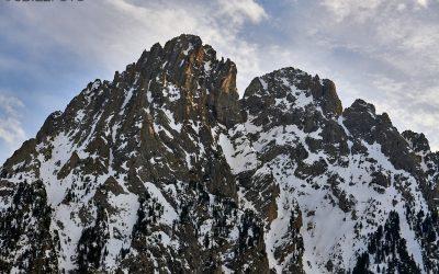 Los Encantados. Cumbres desde el Estany de Sant Maurici